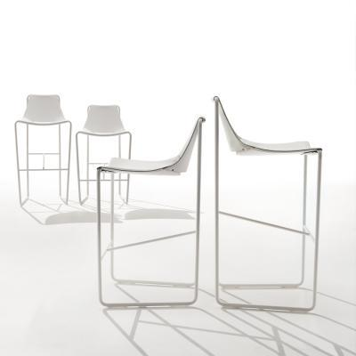 Sgabello Apelle design by Beatriz Sempere