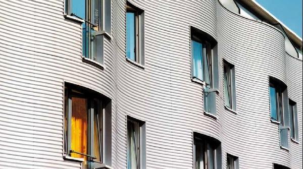 Rivestimenti per facciata in pannelli ondulati di alluminio di PREFA