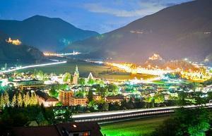 Vista notturna in provincia di Bolzano