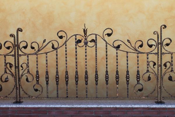 Recinzioni decorative per il giardino - Ringhiera in legno per giardino ...