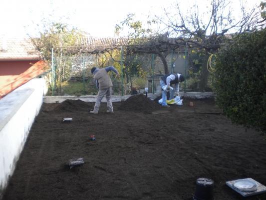 Giardino: riporto della terra
