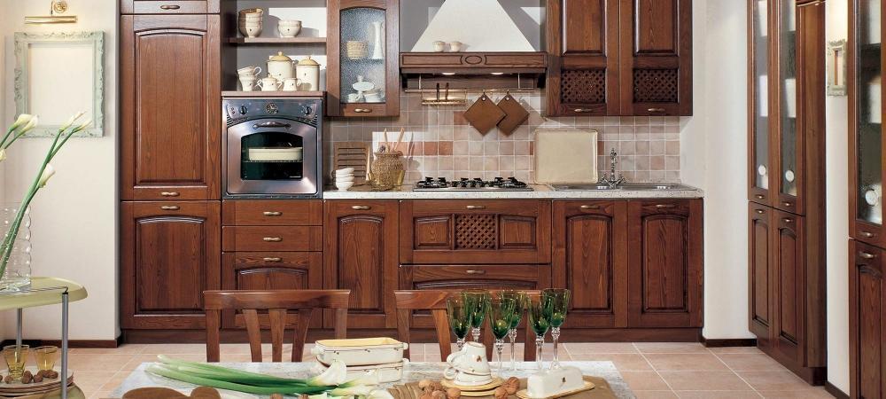 Foto cucine classiche rustiche e in legno modelli e for Foto classiche