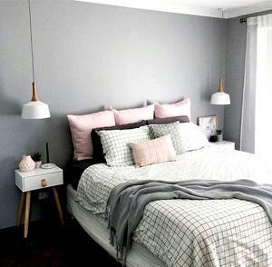 Lampade a sospensione per testata del letto - Foto by homeandinteriors.tumblr.com