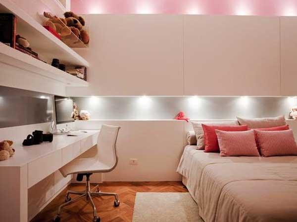 Come personalizzare la camera con un sistema di luci per testata letto