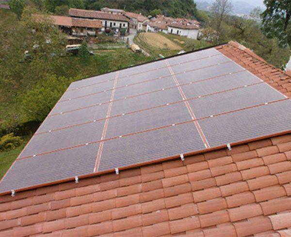 Pannelli fotovoltaici rossi di Azimut®