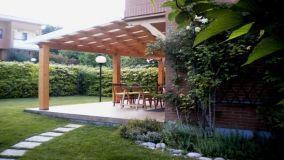 Pergola in giardino