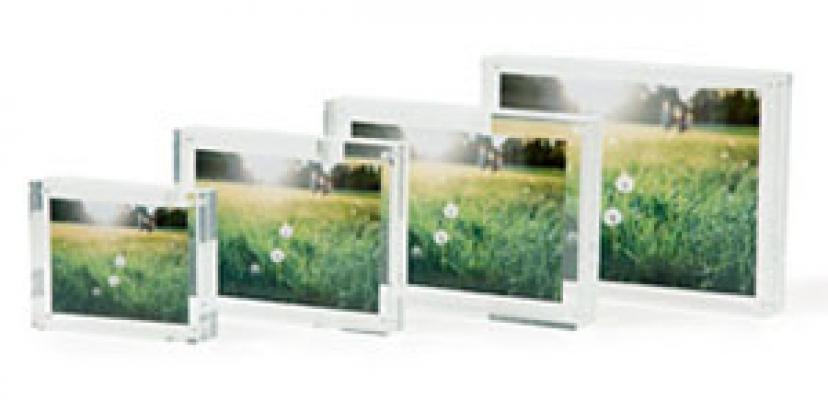 Cornici per fotografie in acrilico by Muji.