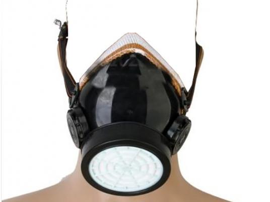 Maschera antipolvere con respiratore per risanamento ambientale