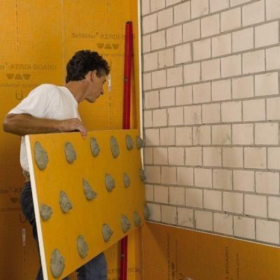 Posa pannelli Schluter su pareti grezze