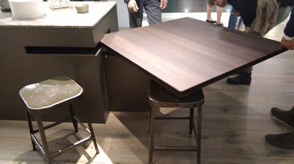 Cucine tecnologiche personalizzabili: Ernestomeda, tavolo girevole