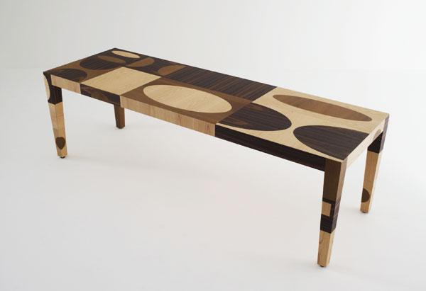 Tavolo in multistrato con intarsio in chiave contemporanea by Emmemobili