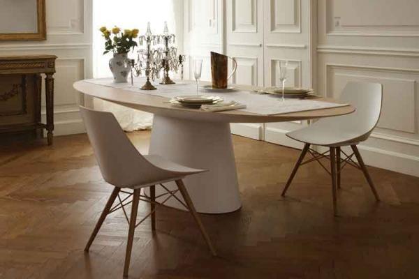 Tavoli e sedie Emmemobili con strutture in legno