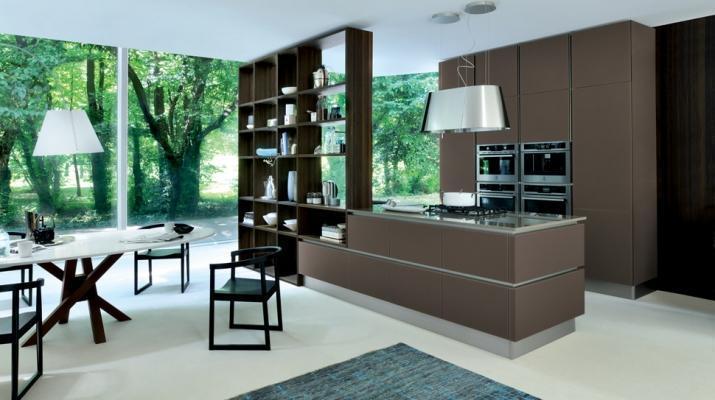 Cucine moderne con isola Ri-flex di Veneta Cucine