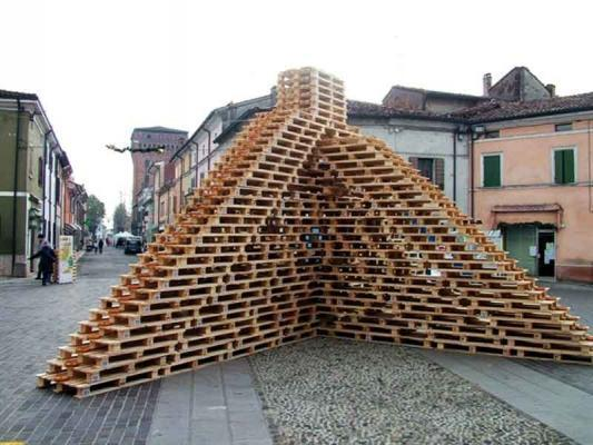 Composizione di pallet by PALM