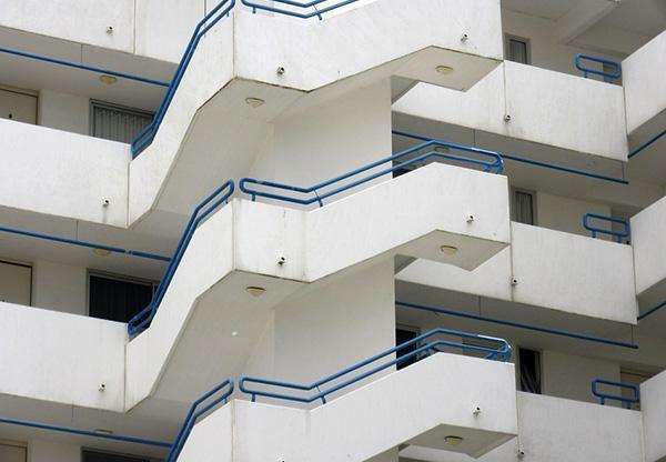 Scale esterne edificio moderno