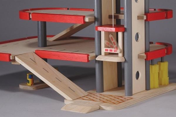 Giocattoli in legno for Piani di garage di campagna