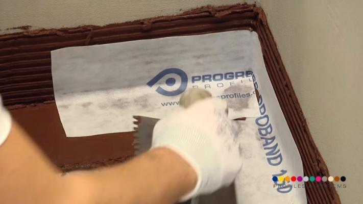 Angolo attacco parete membrana impermeabilizzante sotto pavimento di Progess Profiles