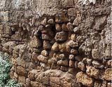 Danni alla struttura muraria controterra