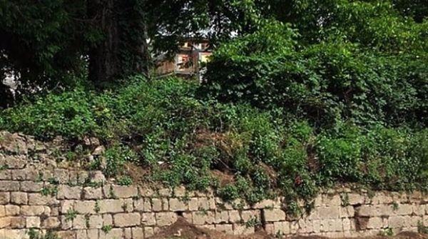 Muro controterra a rischio stabilità