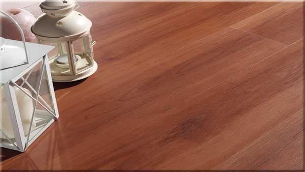 Rivestire la casa con pavimentazioni viniliche