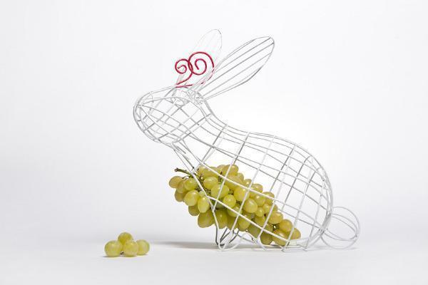 Fruttiera Coniglio della linea Fantastico Domestico di Seletti