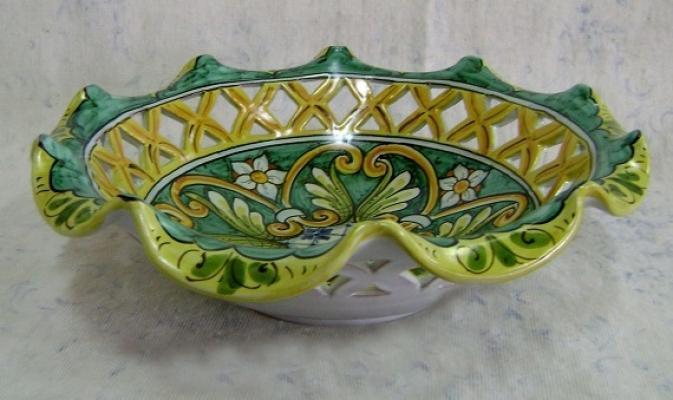 Fruttiera smerlata di Ceramiche Di Liberto
