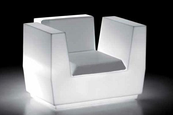 Big Cut Armchair light di Plust