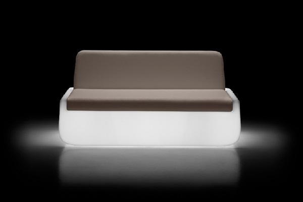 Bold Sofa light di Plust