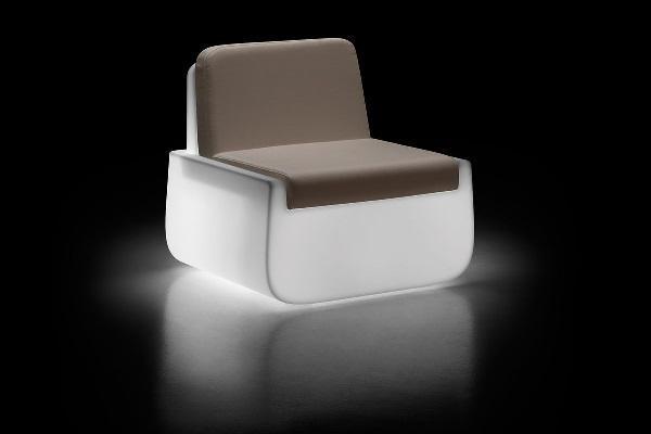 Bold Armchair light bianca di Plust