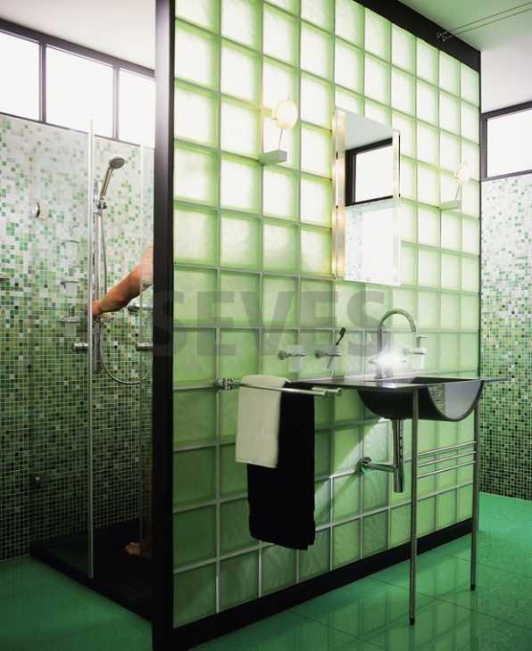 Vetromattone satinato parete bagno