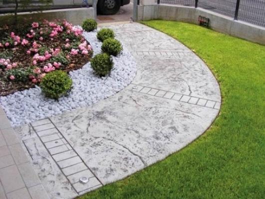 Pavimentazione mista giardino
