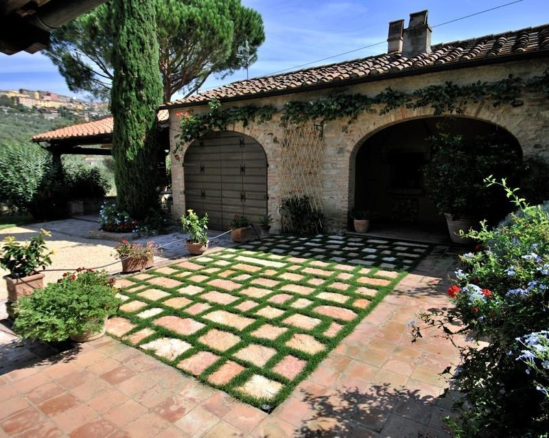 Foto pavimentazioni per giardino for Esterno ville foto