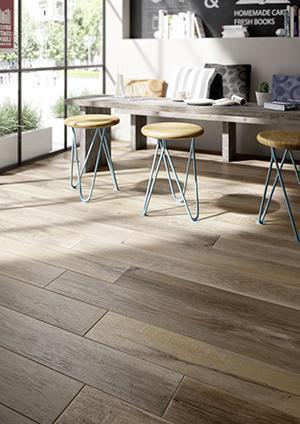 Dettaglio di un pavimento in gres effetto legno di Marazzi.