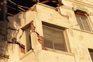 Terremoto unità collabente