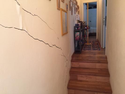 Lesione su muro portante interno