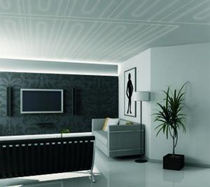 I pannelli radianti a soffitto risultano quasi invisibili. Dal sito dell'azienda RDZ.