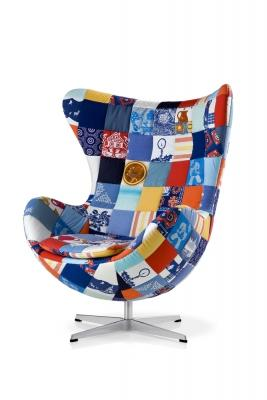 Poltrona girevole Egg Chair versione multicolor