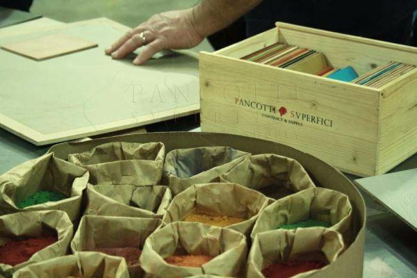 Tinte superfici continue a marchio Ecomateria® di Pancotti Superfici.