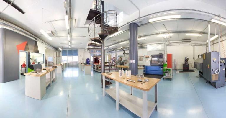 Realtà aziendale Krona Koblenz SpA, produttrice di cerniere per porte