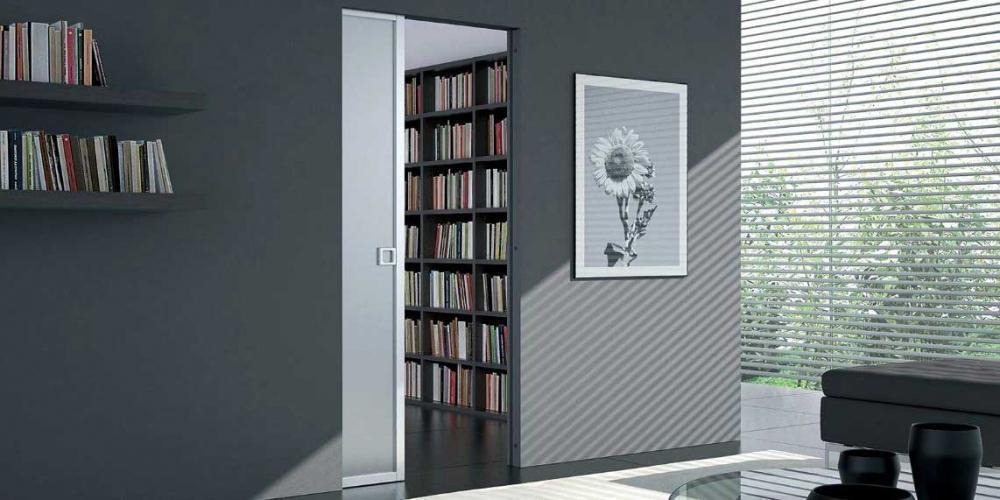 Elegante porta scorrevole filo muro Eclisse