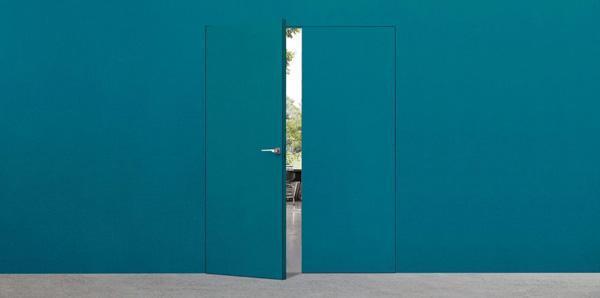 Esempio di porta interna filo muro Syntesis® Line battente anta doppia