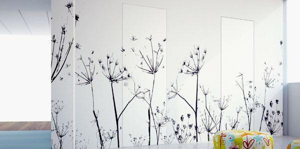 Scenografica parete con porta raso muro Eclisse