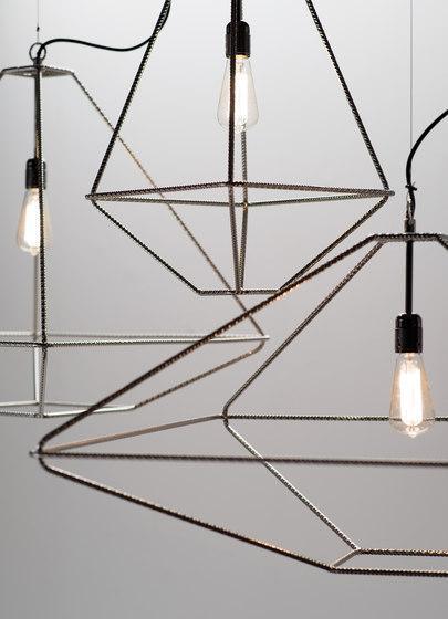 Lampada in metallo stilizzata di Opinion Ciatti