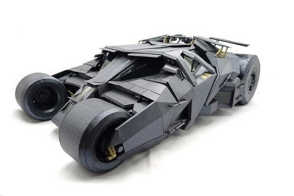 Bat Mobile realizzata con il Papercraft