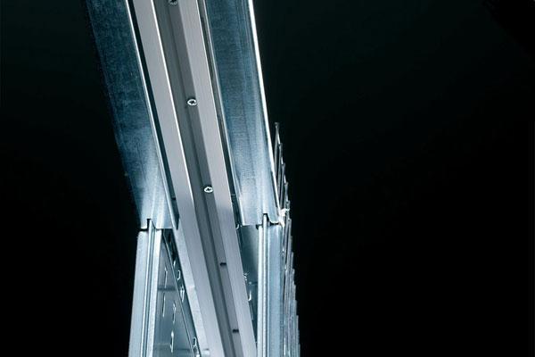 Binario estraibile dei controtelai Eclisse per porte scorrevoli