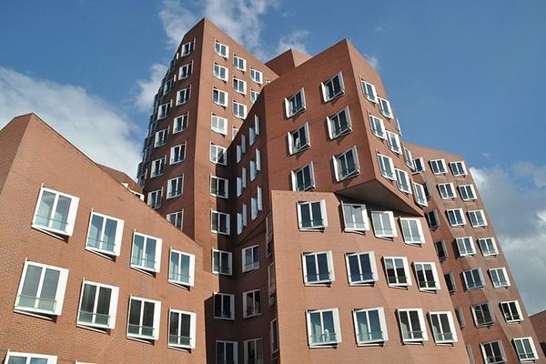Edificio di forma complessa