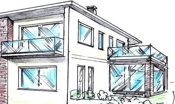 Facciata posteriore di villa con parapetti in vetro ai balconi