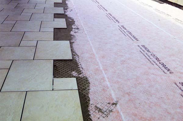 Tetto a terrazzo: posa in opera di Schlüter®-DITRA-DRAIN 4