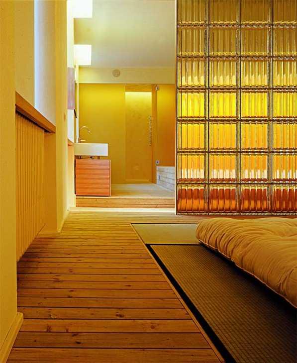 Mattone di vetro Doric di Seves Glassblock in camera da letto