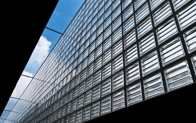 Vetrocemento Doric di Seves Glassblock in facciata